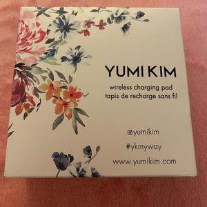 BN Yumi Kim Wireless Phone Charger
